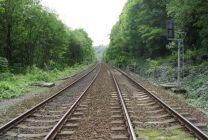 Tunel Milochov prerazili v čase, keď sa po trati malo trištvrte roka jazdiť