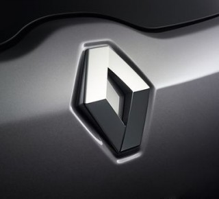 Pre možný emisný podvod začali vo Francúzsku vyšetrovať firmu Renault