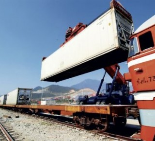 Do poľského prístavu Gdansk smerujú vlaky s nákladom zo SR a ČR