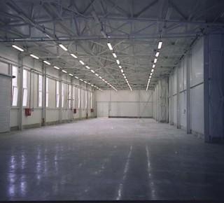 Výstavba nového závodu Mubea v Kežmarku pokračuje podľa plánu