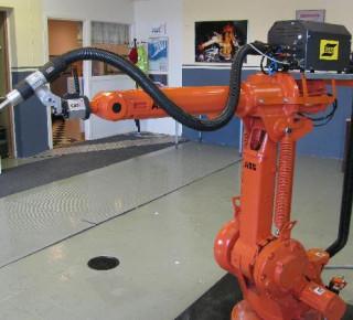 COVID-19 urýchli robotizáciu,v priemysle môže byť nahradená tretina zamestnancov